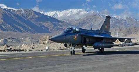 lights of tejas 2017 new delhi orders 83 hal tejas light combat aircraft