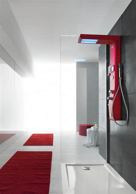 colonna doccia con radio doccia soffioni per il benessere anche con musica e