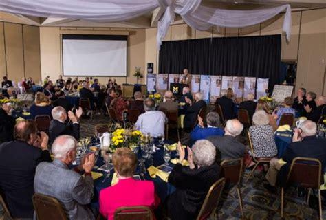 New Um Flint Course Looks by Alumni News Of Michigan Flint