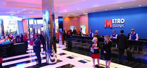 metro bank uk metro bank raises 163 126 million to expand