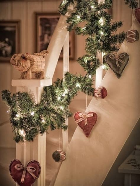 beautiful christmas decor for stair ideas