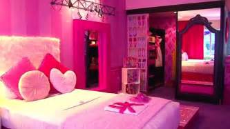 Pictures Of Homes Decorated For Christmas On The Inside barbie themed hotel room designed for eclectic girly