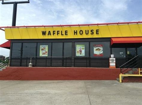 waffle house harding place great early morning stop on the way to the airport review of waffle house nashville