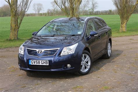 How Much Is Toyota Avensis Toyota Avensis Tourer 2009 2015 Running Costs Parkers