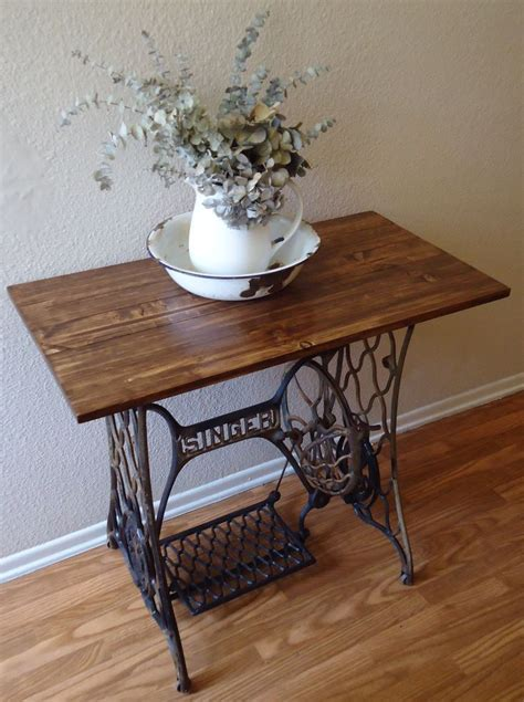 sewing machine table ideas 25 best ideas about singer table on sewing