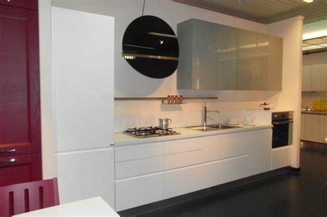 cucina di flo cucina ar tre flo moderna laccato lucido cucine