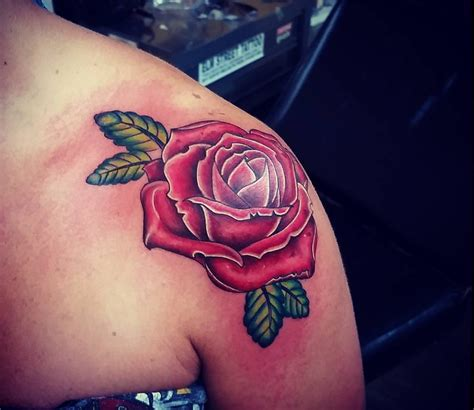 rose tattoo on shoulder blade tattoos shoulder blade images for tatouage