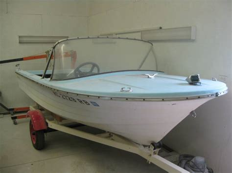 nowak boats classic fiberglass boat repair  restoration