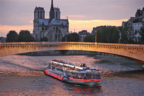 bateau mouches seine paris office de tourisme et des congr 232 s de paris tourisme fr
