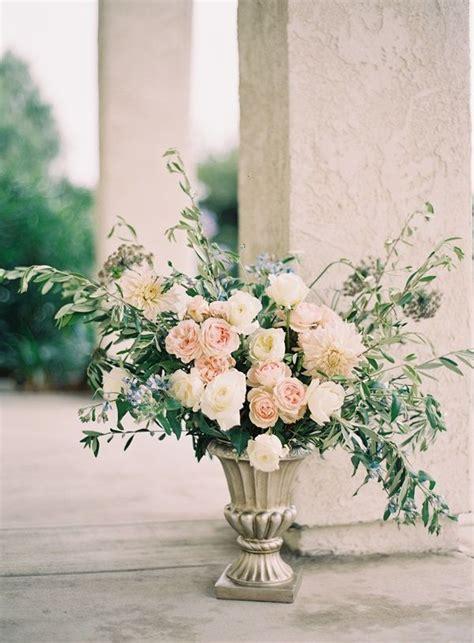 Wedding Ceremony Arrangements by Best 25 Altar Flowers Ideas On Alter Flowers