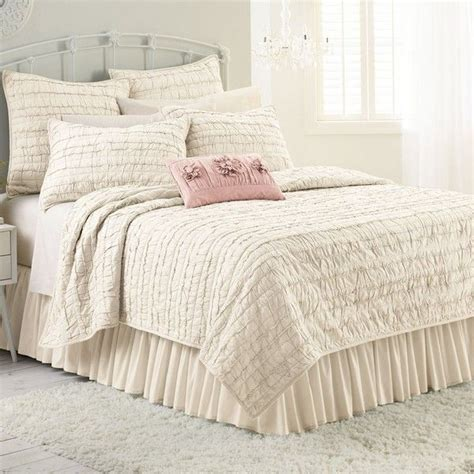 ruffled coverlet 25 best ideas about ivory bedding on pinterest