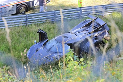 koenigsegg one 1 crash koenigsegg one 1 hypercar in huge crash at the nurburgring