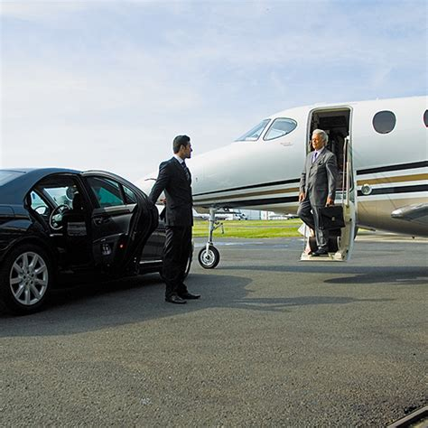 chicago chauffeur service vip chauffeured vehicles in chicago il isaac alan