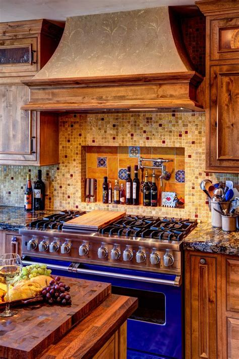 mediterranean kitchen cabinets best 25 mediterranean kitchen ideas on