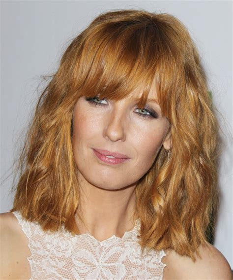 wavy blunt medium kelly reilly medium wavy casual hairstyle with blunt cut