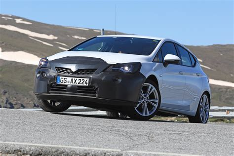 Opel Astra K Facelift 2020 by New 2019 Vauxhall Astra Facelift Pictures Auto Express