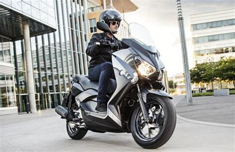 yamaha  max  cc scooter  indonesia image