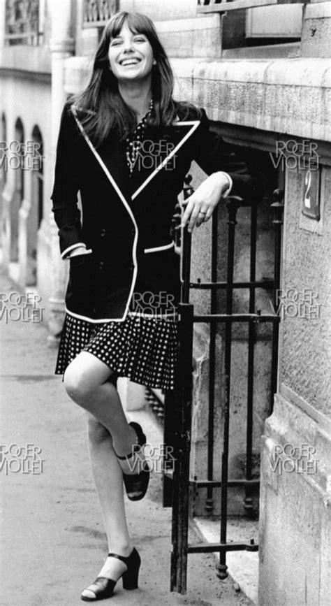 Jane Birkin le 15 février 1971. Yves Saint Laurent haute