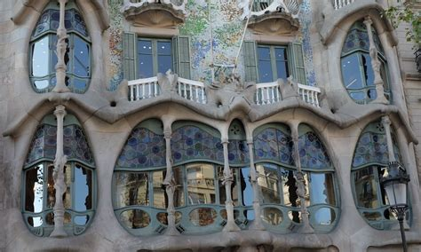 Independent by Antoni Gaudi Barcelona