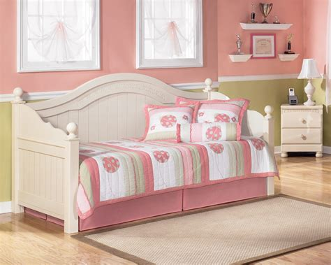 cottage retreat daybed b213 80 day beds