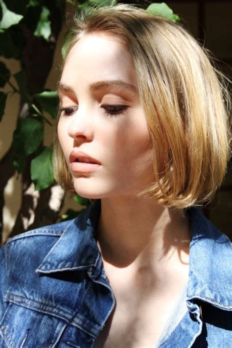 how short should the first lauer be in a haircut lily rose depp short straight no layers no curls blunt
