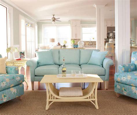 cottage style sofas cottage coastal decor 500 maine cottage giveaway home