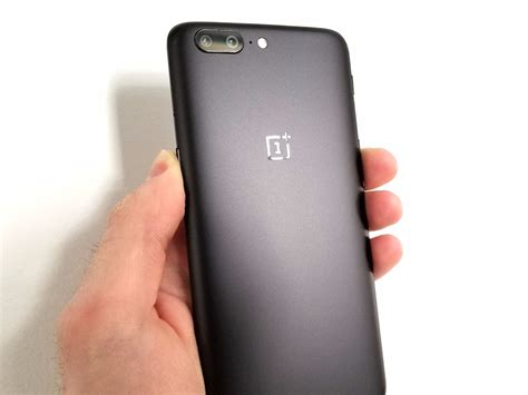 Android Like Iphone by The New Oneplus 5 Looks Just Like An Iphone 7 Plus Running