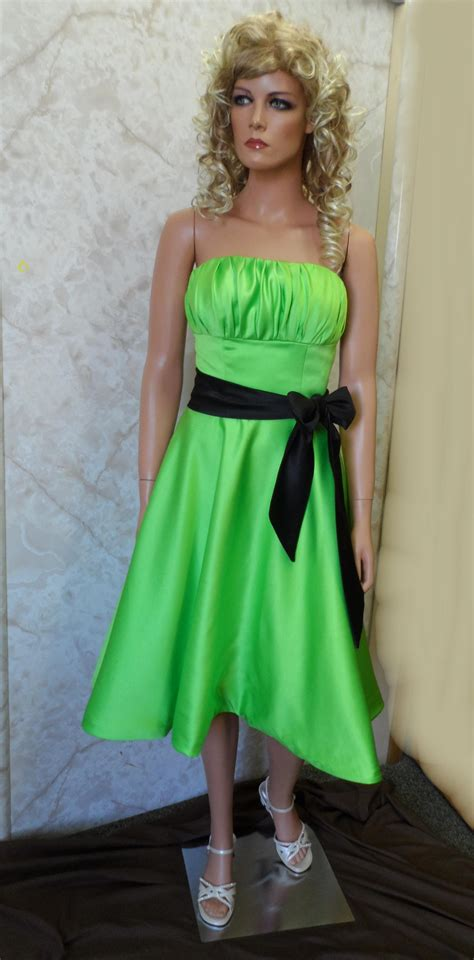 dark green short prom dress  beautiful ladies
