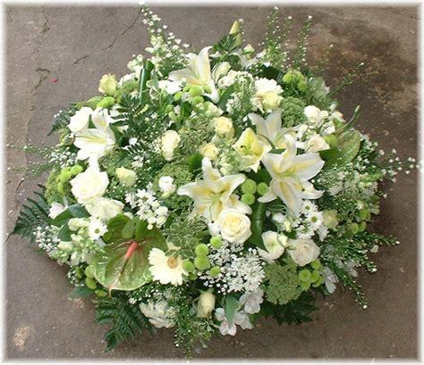 coussin de fleurs pour deuil fleurs de deuil livraison fleurs d 233 c 232 s marsin 224 riom