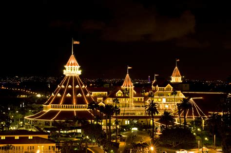hotel del at christmas coronado times