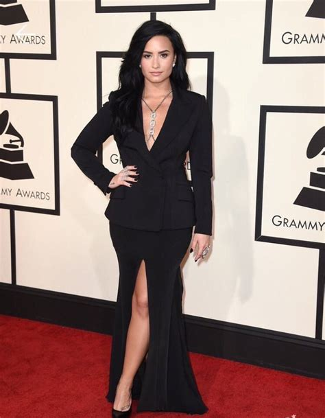 Carpet Demi And Work The Lbd by Demi Lovato Dons Black Dress On Grammys Carpet