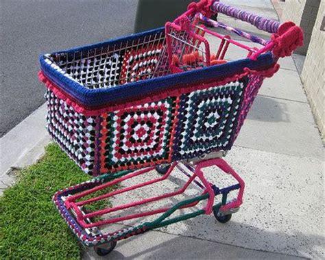 guerilla knitting 25 best ideas about yarn bombing on guerrilla