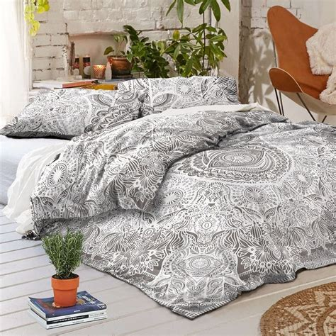 Artistic Accents Bedding Quilts by Best 25 Size Beds Ideas On Size