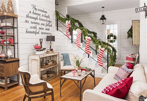 chip and joanna farmhouse hgtv fixer upper hosts holiday home pictures popsugar home