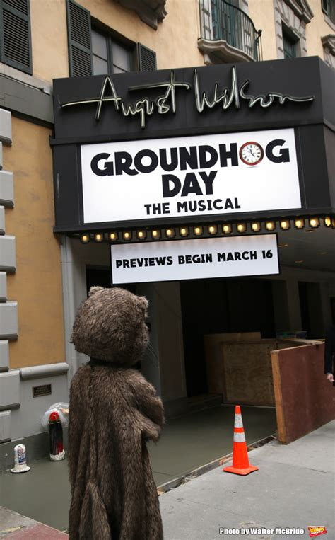 groundhog day opening photo coverage staten island chuck helps andy karl