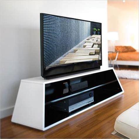 OmniMount PRISM 50 HGW   Karim Collection TV Stand
