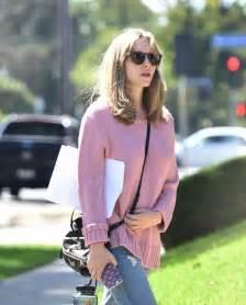 Pink Amanda by Amanda Seyfried In Pink Knitted Sweater 10 Gotceleb