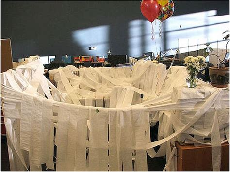 awesome office cube pranks 21 pics