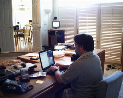 Working Desk file steve wozniak working at desk jpg wikimedia commons