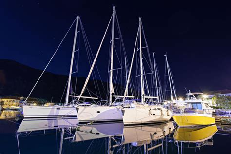 led lights for your boat what you need to know about buying led light bars for your