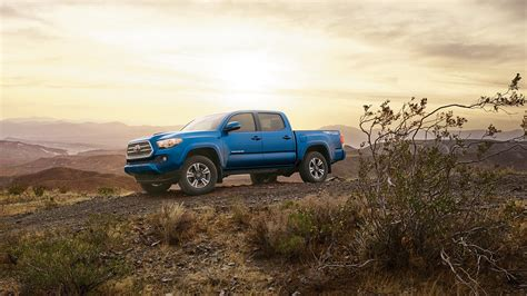toyota tacoma vs tundra 2016 tayota tacoma vs toyota tundra comparing two trucks