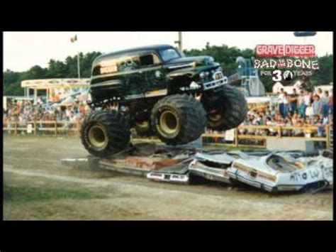 grave digger 30th anniversary monster truck monster jam happy 30th anniversary grave digger youtube