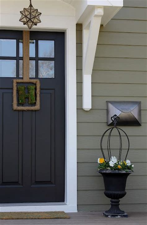 door accent colors for greenish gray 25 best ideas about benjamin moore exterior on pinterest