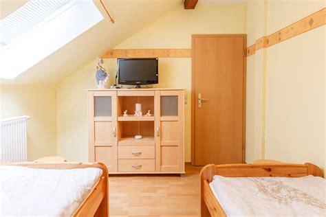 schlafzimmer fernseher wohnung prosodia tonstudio