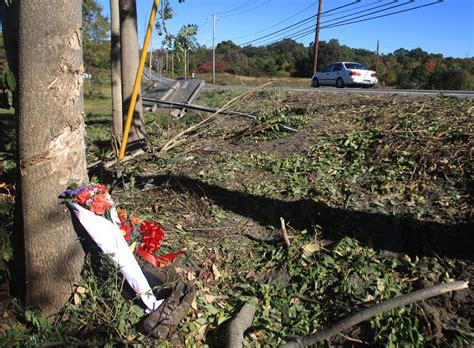 services scheduled for who died in crash news