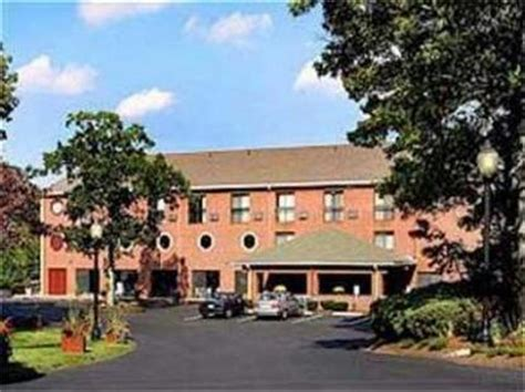 Comfort Inn Hyannis Hyannis Deals See Hotel Photos