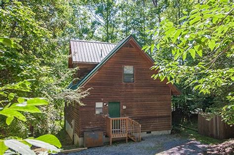 Couples Cabins In Gatlinburg by Gatlinburg Honeymoon Cabins For Couples 1 To 2 Bedrooms