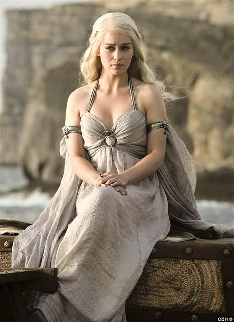 emilia clarke of thrones 25 emilia clarke wallpapers hd free