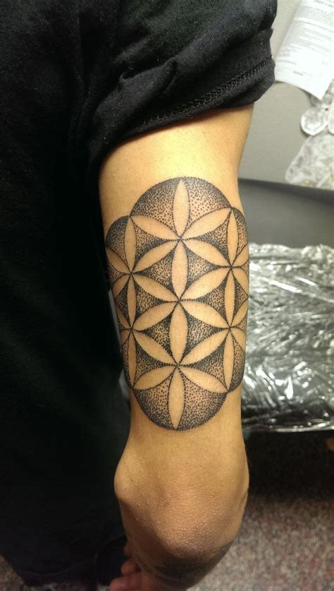 sacred ink tattoo sacred geometry tat http tattoos ideas net sacred