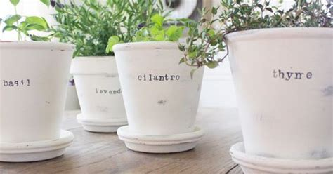 rustic woven plain terra cotta pots painted with chalk paint and distressed project ideas